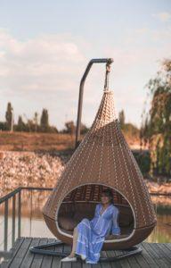 So lässt es sich aushalten! Der perfekte Lieblingsplatz auf der großen Terrasse auf dem Hausboot Niederrhein