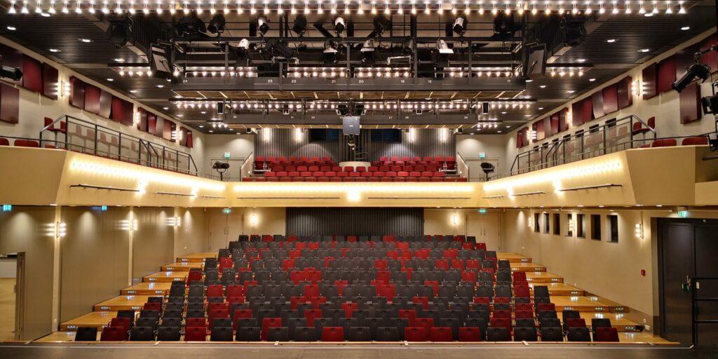 Bestuhlung Saal 1 im Konzert- und Bühnenhaus